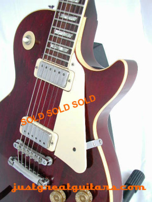 Gibson-Les-Paul-Deluxe-30